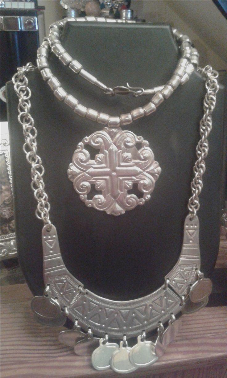 Collar temuco  y collar roseton mestiza www.cuencamestiza.com