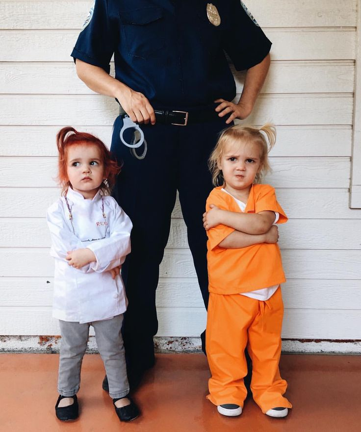 Halloween costume idea twin orange is the new black oitnb