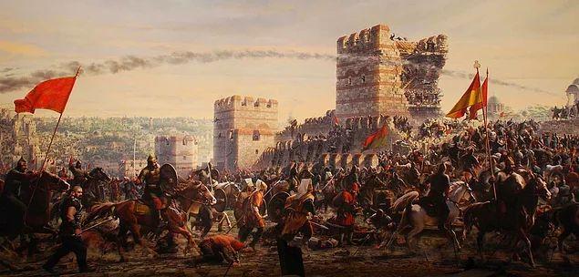 İstanbul'un Fatihi II. Mehmed Osmanlı'nın yıllarca başkenti olacak bu şehri almasıyla ön plana çıksa da bundan daha başka birçok marifeti de vardı.