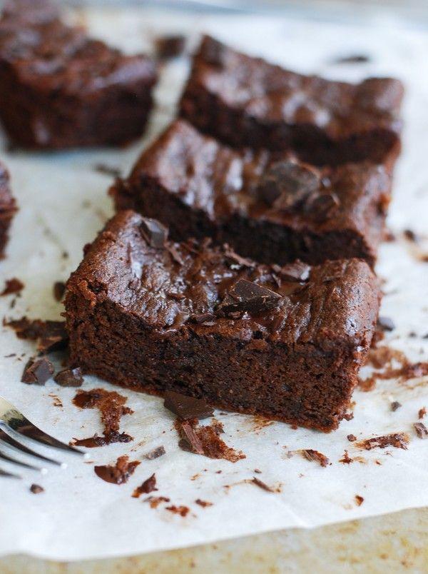 Healthy almond brownie (gluten free, no sugar added) - Hälsosam mandelbrownie (glutenfri, utan tillsatt socker)