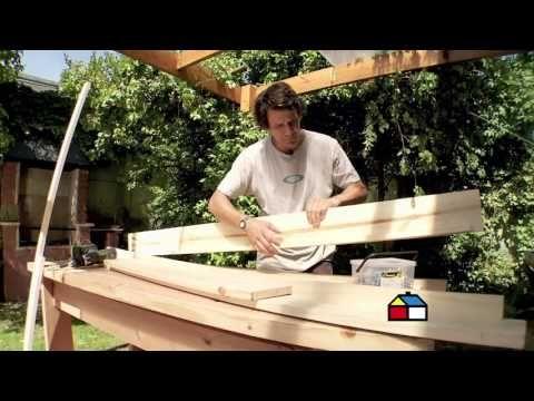 ¿Cómo construir un alero y una jardinera para tamizar los rayos del sol? - YouTube