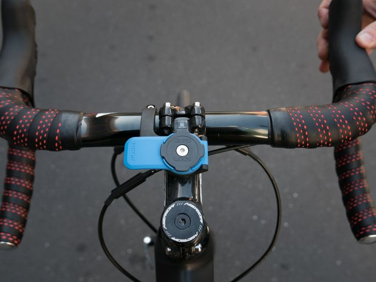 Quad Lock ‐ Out Front Mount - iPhone Bike