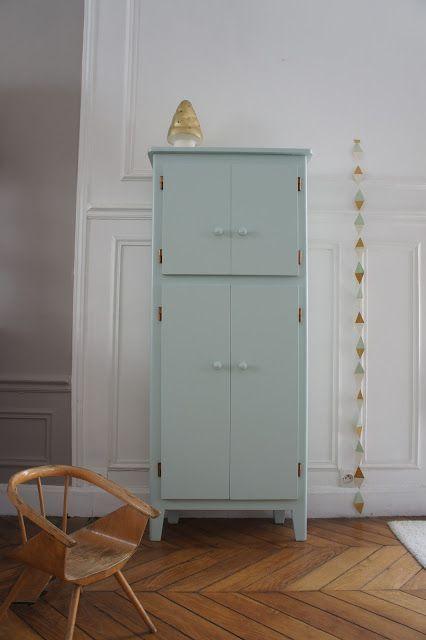 armoire années 50, armoire parisienne, armoire pieds compas, armoire
