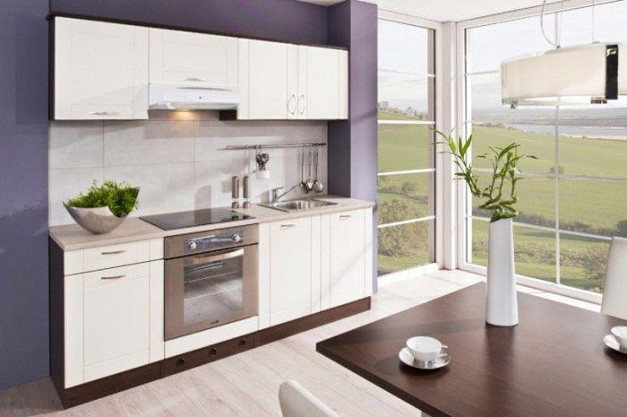 Kuchyňský blok Aneta 210 D (210cm) v dekoru dub tmavý (korpus) a vanilka (dvířka) se bude skvěle hodit i do menší kuchyně a zároveň působí elegantním dojmem....