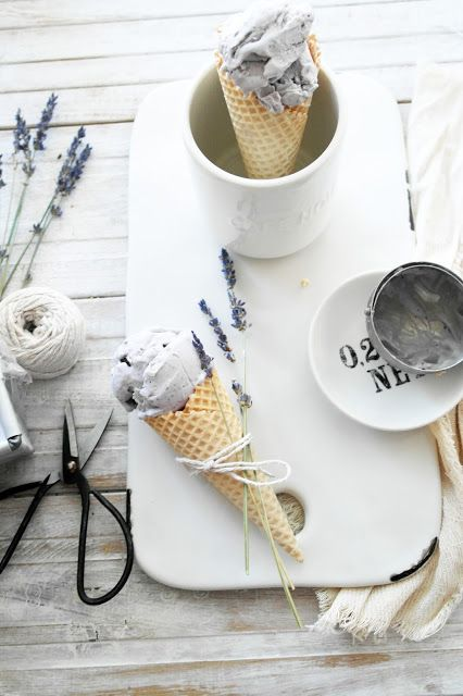 no churn blueberry and lavender ice cream #foodstyling