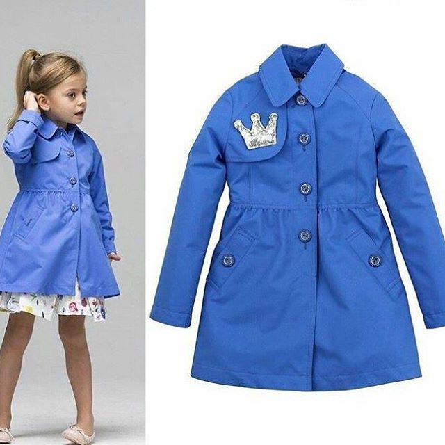 Небесное-голубой плащ для девочки из новой коллекции #Pulka_весна2017!   #верхняяодежда #pulka #silverspoon #весенняямода #весна2017 #детскаямода #модадлядевочки #мода #длядочки #синий #тренды_весна2017