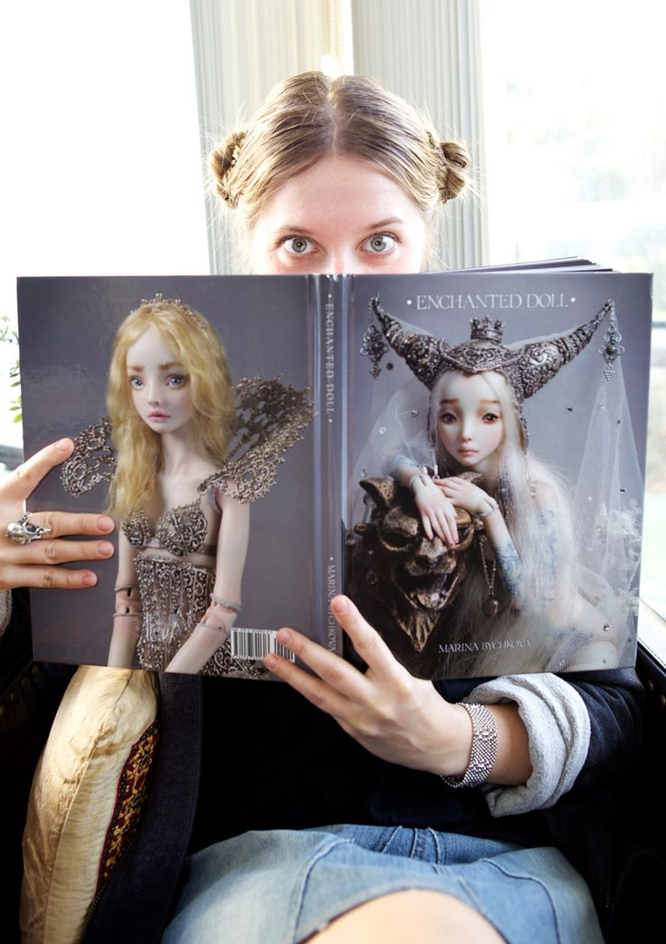 Marina Bychkova and a sample copy of her book about her doll sculpting. I've just pre-ordered my copy!