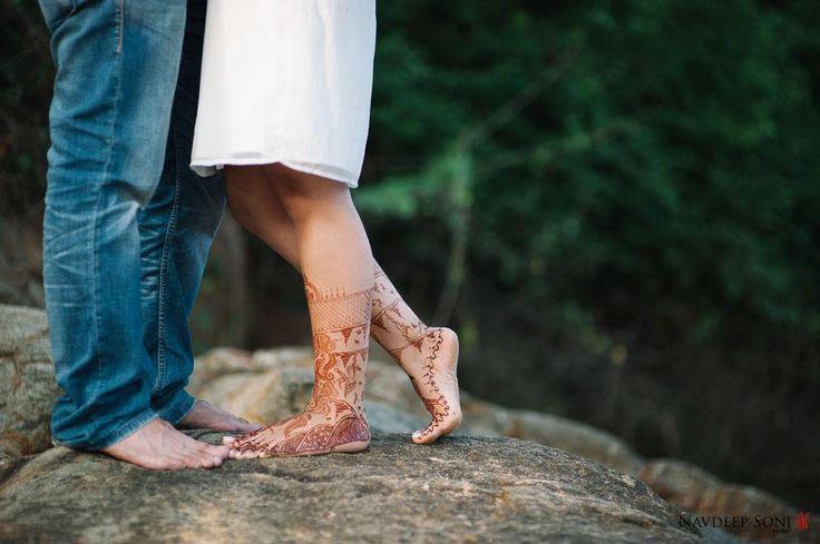 "Henna...Photo from Navdeep Soni Photography ""Neetu + Abishek"" album  #weddingnet #wedding #india #indian #indianwedding #weddingdresses #mehendi #ceremony #realwedding #lehenga #lehengacholi #choli #lehengawedding #lehengasaree #saree #bridalsaree #weddingsaree #photoshoot #photoset #photographer #photography #inspiration #planner #organisation #details #sweet #cute #gorgeous #fabulous #henna #mehndi"