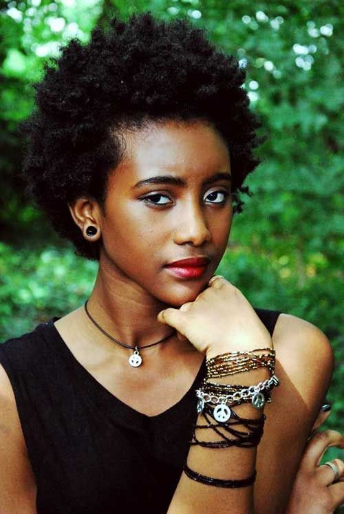 20 Cute Short Natural Hairstyles | http://www.short-haircut.com/20-cute-short-natural-hairstyles.html