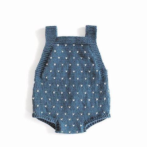 Reader's mini knit. || Guttestrikkebokaromperen har fått lus hos @by_fr90, og vi elsker det! #inspirerende #ministrikk