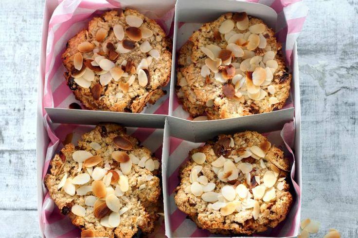 Het zoete in deze koekjes komt van de appels en de rozijnen. Extra suiker heb je dus helemaal niet nodig! - Recept - Allerhande