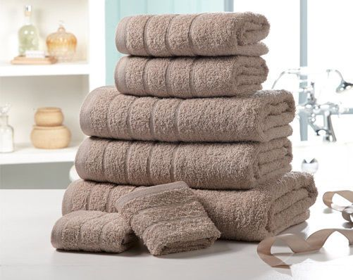 Enjoy the sensual softness of our mocha luxury Egyptian cotton towel bale These are the perfect addition to your bathroom. Luxurious 500gsm Egyptian cotton towel bale comprises: two 30 x 30cm face cloths two 50 x 80cm hand towels, two 65 x 120cm bath towels and one 90 x 140cm bath sheet.