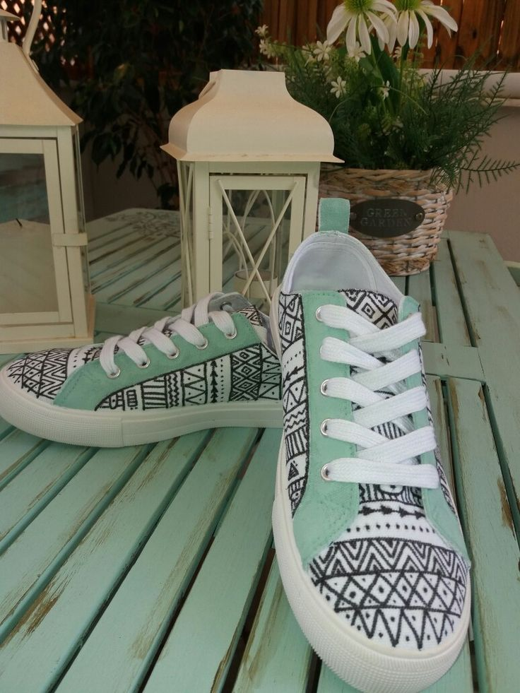Free ART painting on shoes