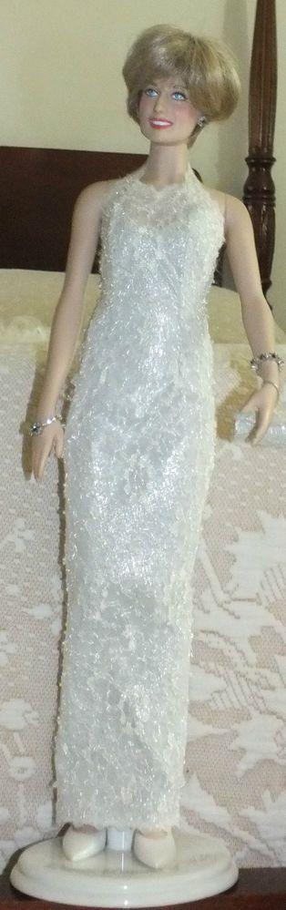 26 best Princess Diana images on Pinterest   Princess diana, Bazaars ...