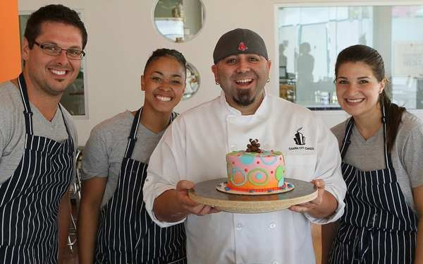 LA - Duff Goldman's Cake Mix shop-Take cake decorating classes with the Ace of Cakes!