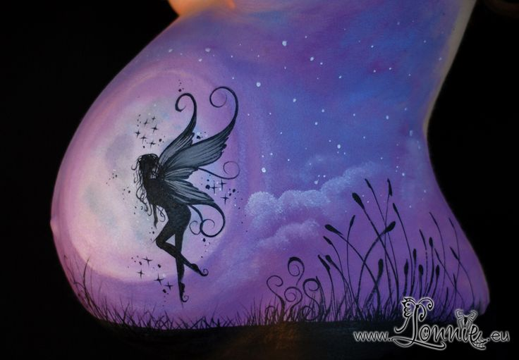 Belly painting with a fairy done by Lonnies Ansigtsmaling. Mavemaling mavekunst bellypainting bellypaint