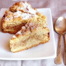 Cake with ricotta and amaretti (in Italian)