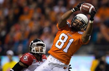 The Saskatchewan Roughriders have acquired slotback Geroy Simon from the B.C. Lions for a 2014 3rd round draft pick and Justin Harper