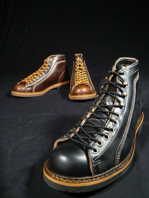 """Neu bei Burg&Schild - Thorogood Roofer 1892 in schwarzen und braunen Horween-Pferdeleder. Dieser """"Lace to toe"""" Arbeitsschuh, auch bekannt unter dem Namen """"Monkey Boot"""", wurde ursprünglich für..."""