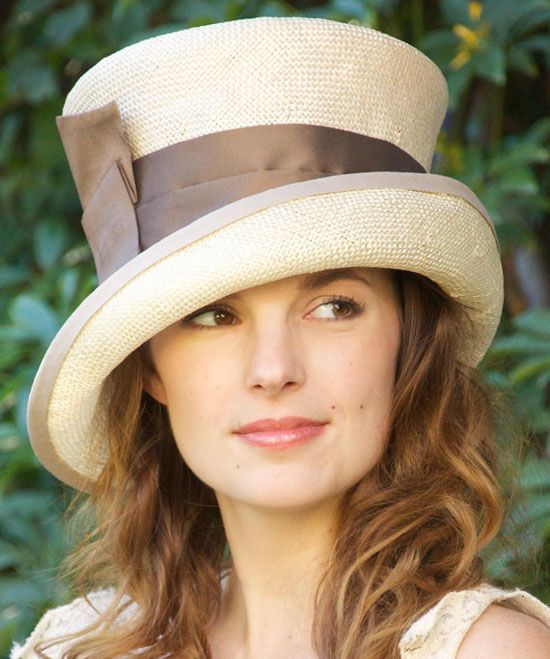Grab your favorite floppy hat for The Kentucky Derby today! kyderby fashion
