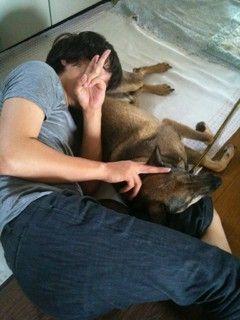 IKE and his (?) dog - so adorable ^_^