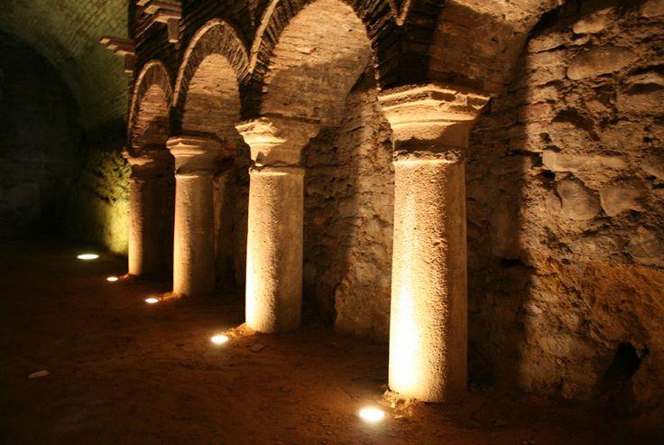 Sant'Arcangelo, le grotte misteriose