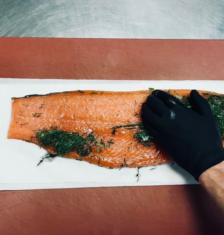 Happy #fishfriday! Freitag ist #fischtag 🐟🐠🐟 #Catering #Hamburg #TraiteurWille #FeineKochkunst #ONETEAM #ILoveMyJob #Gastroblogger . . . . . . . #gravlax #salmon #artofplating #chefstalk #foodie #restaurantsofinstagram #Lachs #eventpros #prepping #ilovemyjob #chef #PicOfTheDay #FoodOfTheDay #cateringhamburg