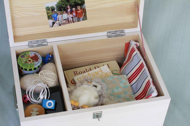 Girl's tuck box