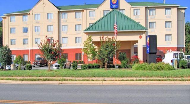 Comfort Inn Quantico - 3 Star #Hotel - $89 - #Hotels #UnitedStatesofAmerica #Dumfries http://www.justigo.com.au/hotels/united-states-of-america/dumfries/comfort-inn-quantico_110369.html
