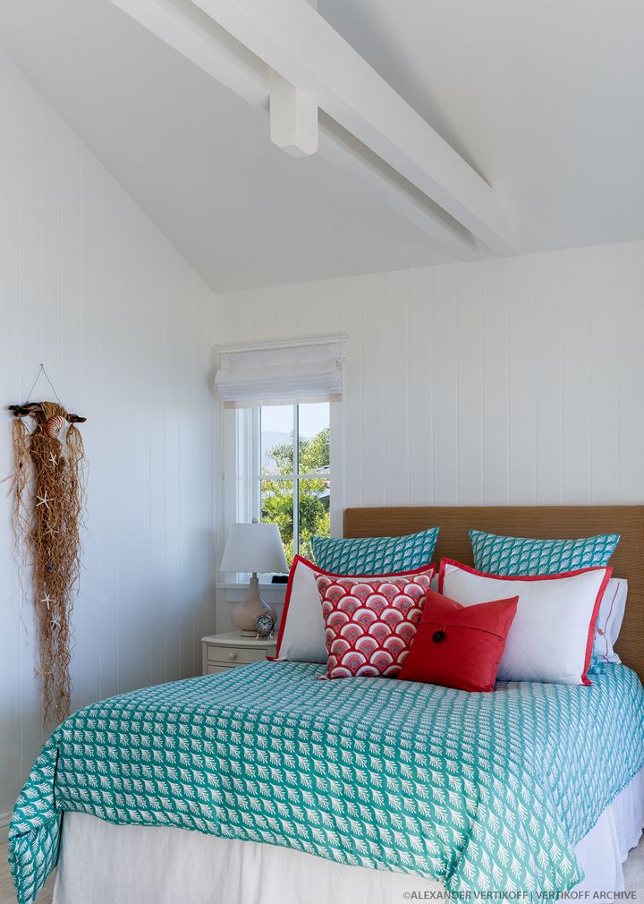 turquoise  coral and white coastal bedroom   Debra Lynn Henno Design. 17 Best images about Beautiful Bedrooms on Pinterest   Neutral