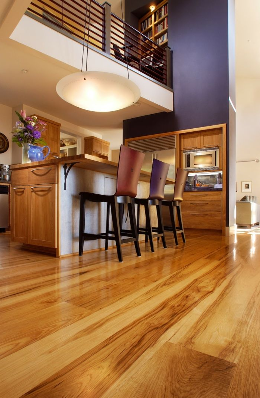 Die besten 25+ Lila wandfarbe Ideen auf Pinterest Runde ottomane - wohnzimmer grau lila streichen