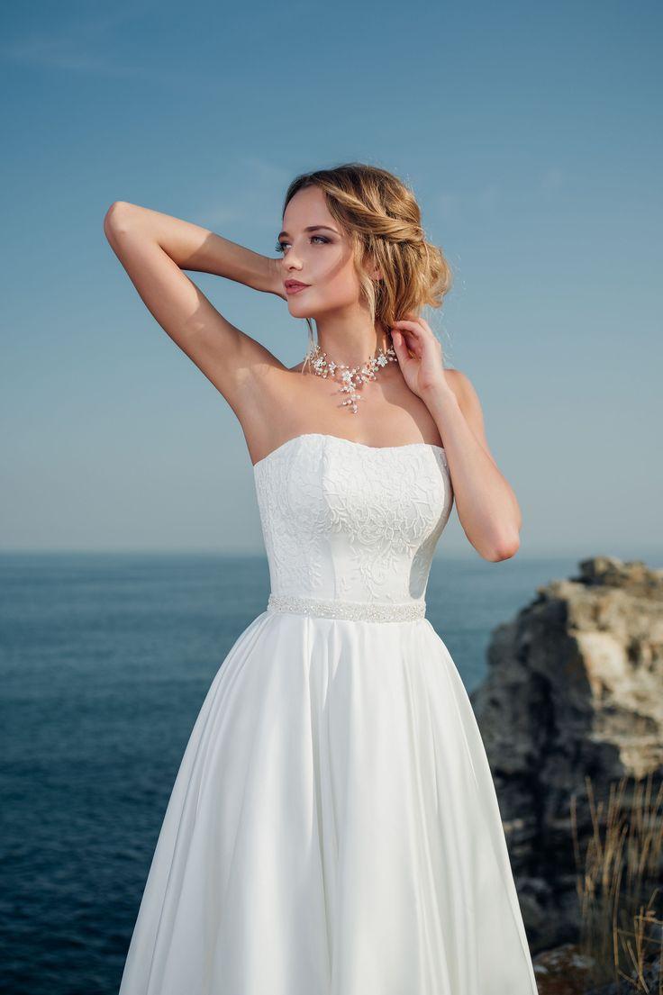 76 best Bridal Room : Hadassa images on Pinterest | Bridal gowns ...