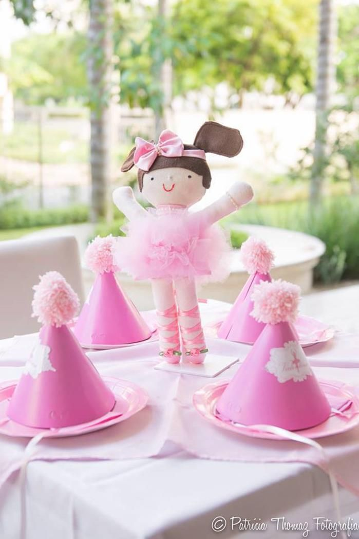 17 best ideas about ballerina party supplies on pinterest for Ballerina decoration