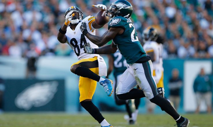 PHILADELPHIA, PA - SEPTEMBER 25:   Malcolm Jenkins #27 of the Philadelphia Eagles breaks up a pass to Antonio Brown #84 of the Pittsburgh Steelers in the second quarter at Lincoln Financial Field on September 25, 2016 in Philadelphia, Pennsylvania.  (Photo by Rich Schultz/Getty Images)