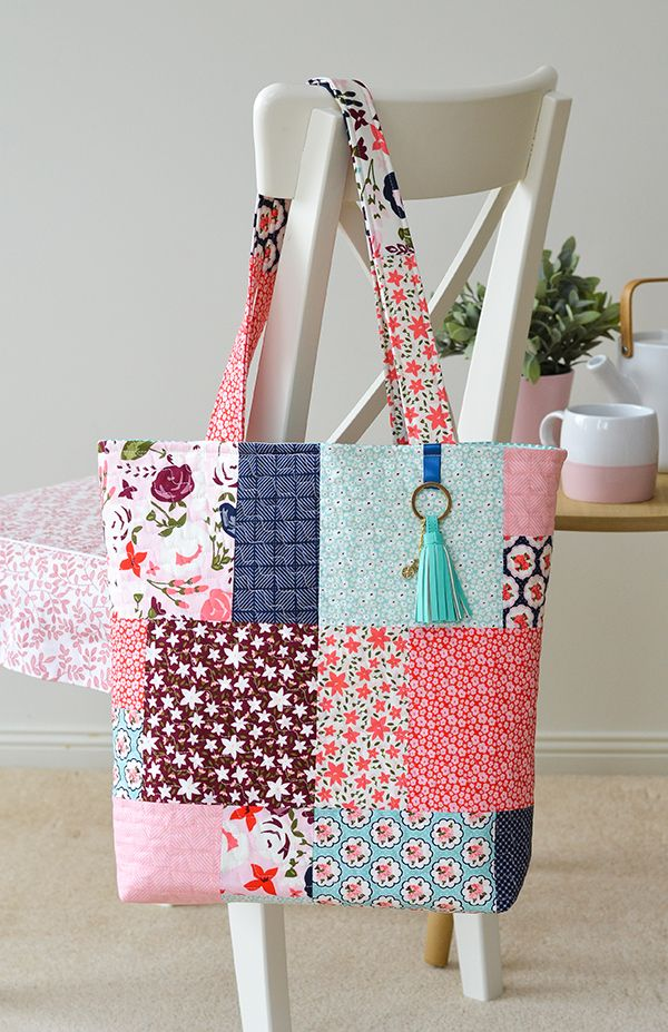 Have you been following the Scrappy Project Planner sew-along hosted by  Fat Quarter Shop ? This is the final week so if you missed it here'...