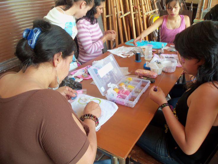 Participa en los talleres de Arte & Bisutería