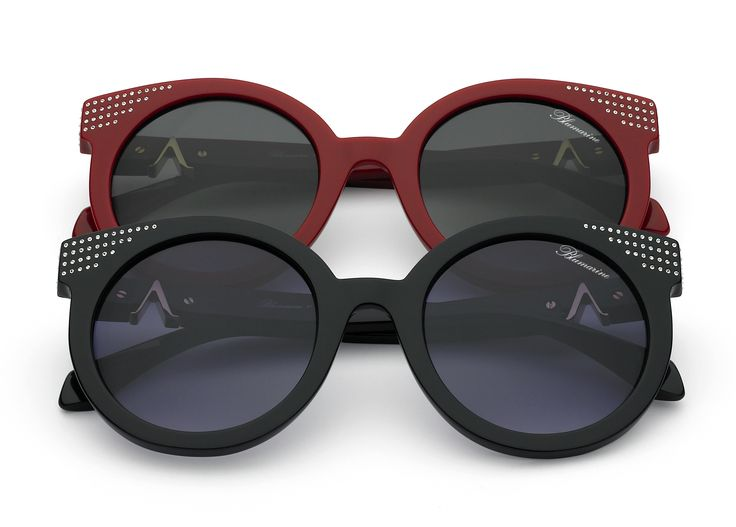 Blumarine Spring Summer 2016 Eyewear by Anastacia • Round Shaped Sunglasses With Swarovski Crystals. • This acetate black and red model has a rounded shape. A cascade of Swarovski crystals enlightens the front and the temples, enriched by Anastacia personal A as a golden trim. Lens are grey gradient. • Products with selling limitations in specific countries. For further info please contact De Rigo: infoblumarinebyanastacia@derigo.com #BlumarinebyAnastacia #Anastacia