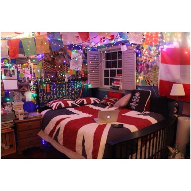 Fairy lights and british comforter union jack beatles for Union jack bedroom ideas