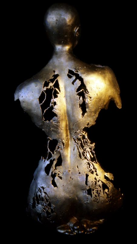 Carole Feuerman, Juno, 41 x 17 x 6.5 inches, Bronze 1998