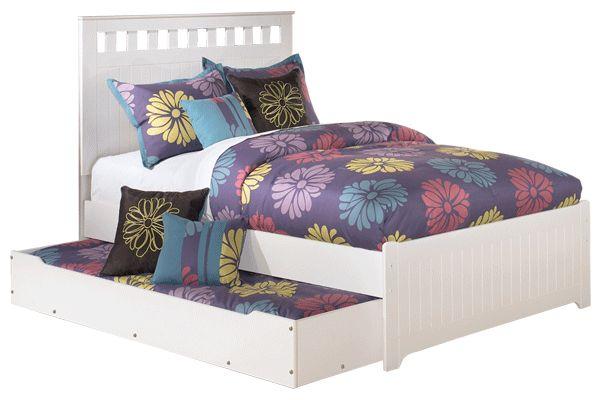 Ashley Furniture: Showroom