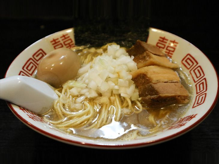 旨い店はタクシー運転手に訊け!死ぬまで食べたい『伊吹』の中華ソバ  –  食楽web