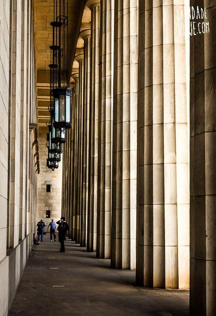 Facultad de Derecho | #BuenosAires es una ciudad altamente posicionada en las preferencias de los estudiantes internacionales. La razón es que se trata de una ciudad estimulante, con una arquitectura extraordinaria, y repleta de sofisticadas actividades culturales, sociales y deportivas. A esto se suma una oferta educativa variada y al nivel de los países más avanzados en la materia.