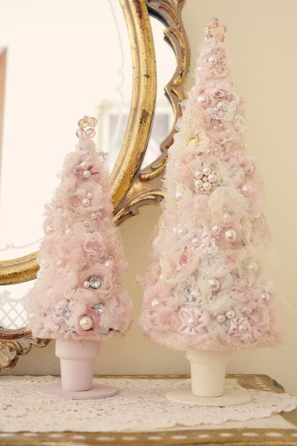 Shabby Chic Christmas Decorating Ideas