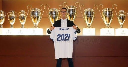 Mendes: Ronaldo pemain terbaik dalam sejarah sepakbola       AGEN BOLA TERPERCAYA -Jorge Mendes selaku agen Cristiano Ronaldo mengklaim bah...