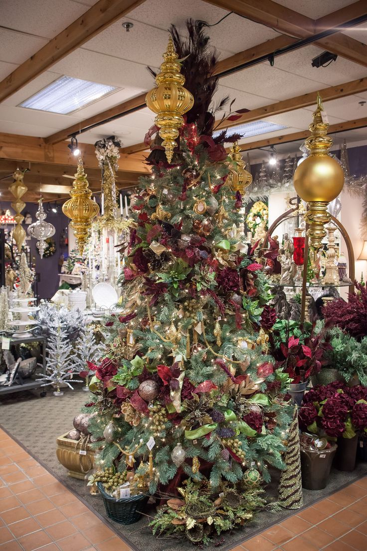 2014 Decorated Christmas Trees at Bucks Country Gardens! Deep red & gold give this tree a classic look. #Christmas #Decorating #trees