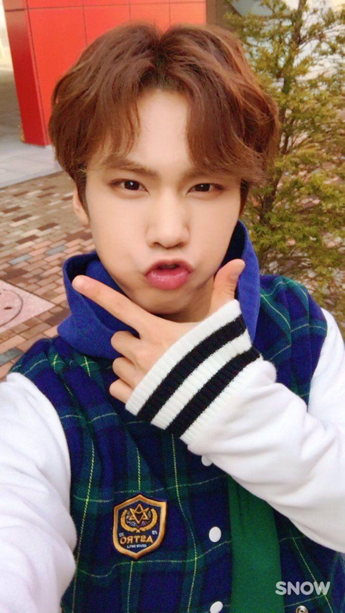 아스트로 on em 2019 | astro | Kpop, Minhyuk e Boyfriend material