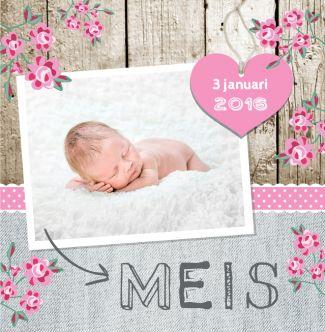 Lief trendy geboortekaartje met jeans, hout, hart, bloemen en eigen foto. Gebruik deze kaart en maak hiervan zelf je eigen persoonlijke geboortekaartje. Wil je de kaart door ons laten opmaken? Geen probleem, wij helpen je graag!