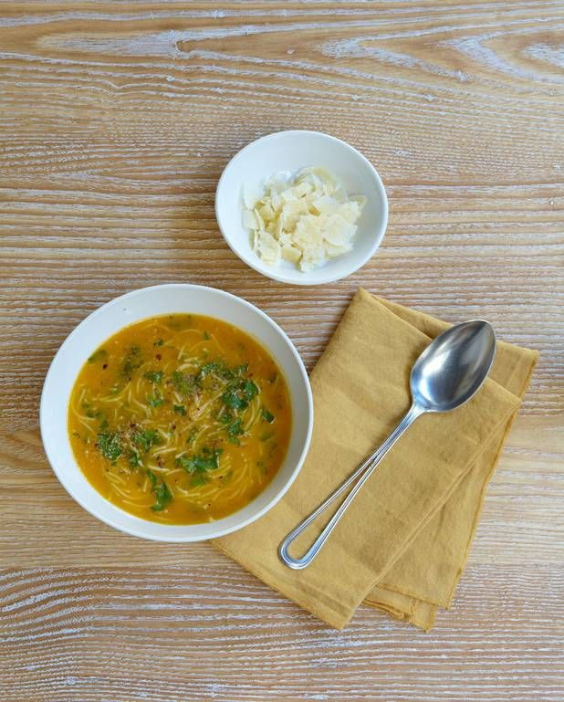 Velouté de potiron, vermicelles et parmesan pour 4 personnes - Recettes Elle à Table