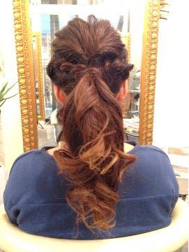 結婚式お呼ばれヘアスタイル!ワンランク上の髪型アレンジまとめ
