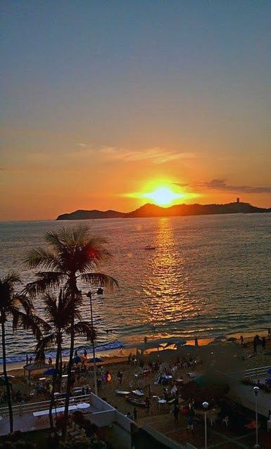 Acapulco. Shared by http://goherbalife.com/healthylivinginpa what a BEAUTIFUL VIEW!